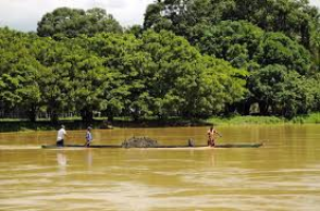 Kanu auf den Fluss Sinú